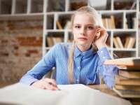 Nyakunkon a döntés: hol tanuljon tovább a gyermek?